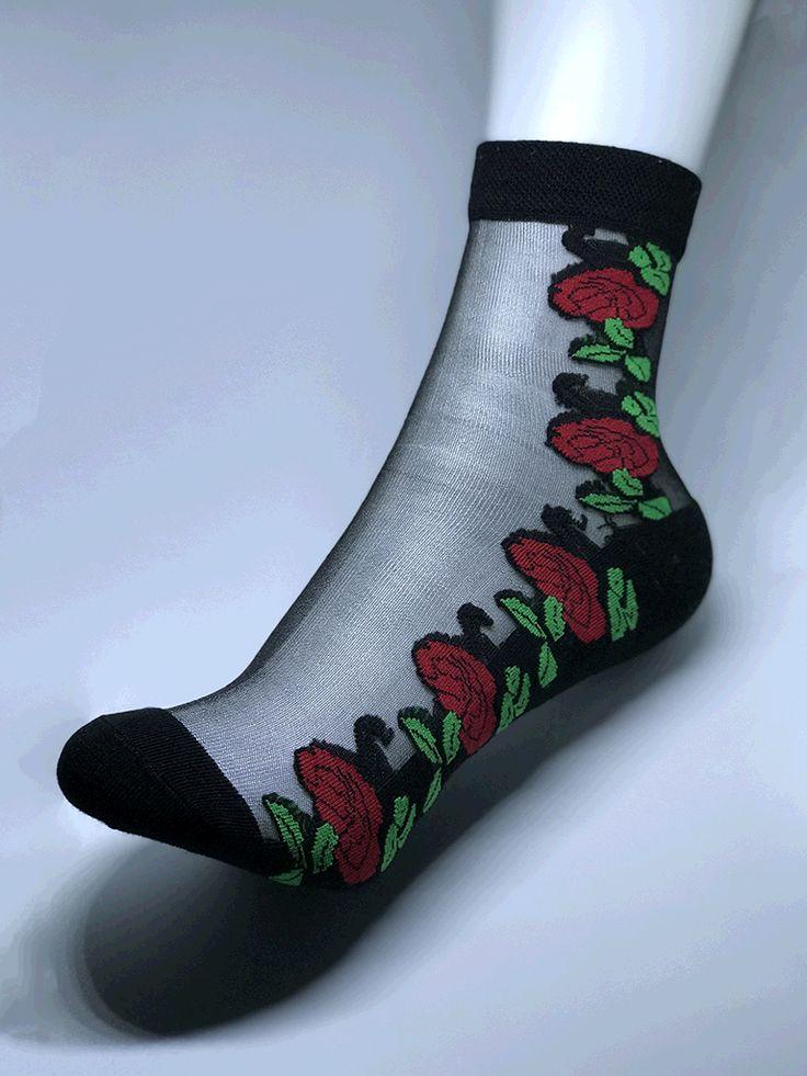 Women red roses, black cotton bottom.