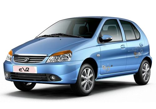 Tata Indica: The first generation Tata Indica that been around for fourteen years has been given one more facelift. The facelift consists of a brand new front facia that is a dead ringer for the present Tata Indigo.  Changes embrace new headlights, a new grille and a new air dam at the lower section of the bumper. All of the new instrumentation is already getting used on the Indigo eCS compact sedan