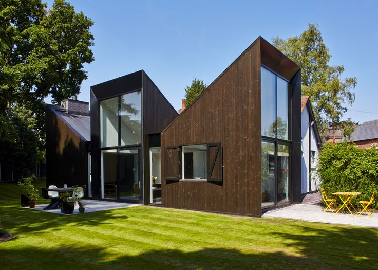 Blee Halligan's Triptych house extension angled to catch sunlight