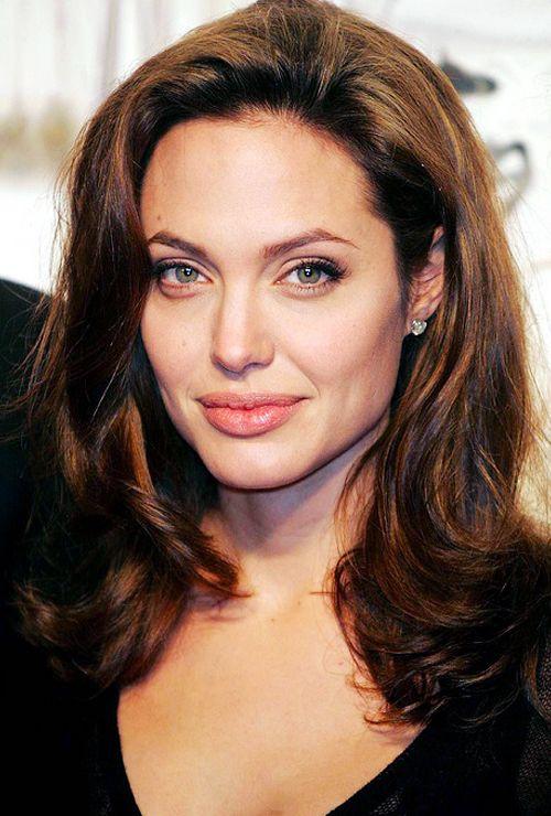 Angelina Jolieat the German premiere of Alexander, 2004