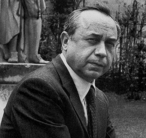 """""""Tutti i nodi vengono al pettine: quando c'è il pettine"""" LEONARDO SCIASCIA (1921-1989)"""