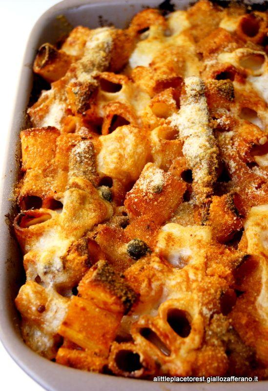 pasta al forno con alici e provolone