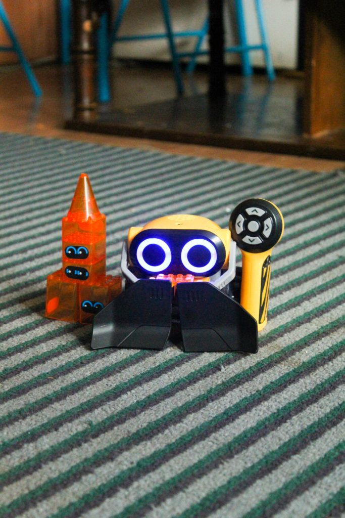 Tech Toys for Kids to Learn With: @WowWeeWorld Botsquad #WowWee #clvr #ad http://livingoffloveandcoffee.com/wowwee-botsquad/