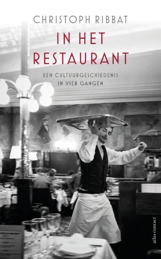 In restaurants wordt nooit alleen maar gegeten. Het gaat er sinds de achttiende eeuw ook altijd om zien en gezien worden, om het signaal van stijl en distinctie, en om het gevoel bij vreemden te zijn en toch thuis. De ongeduldige gast gunt het personeel geen rust met zijn wensen. In de keuken, aan de toog en aan tafel komen plezier en hard werken, élégance en uitbuiting, en culturele diversiteit en racisme met elkaar in aanvaring. Groezelig of grandioos: restaurants zijn een spiegel van de…