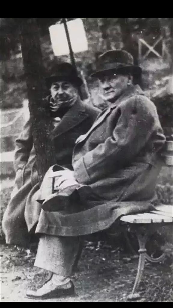 Atatürk'ün doğal olarak nitelendirebileceğimiz fotoğraflarından birisi