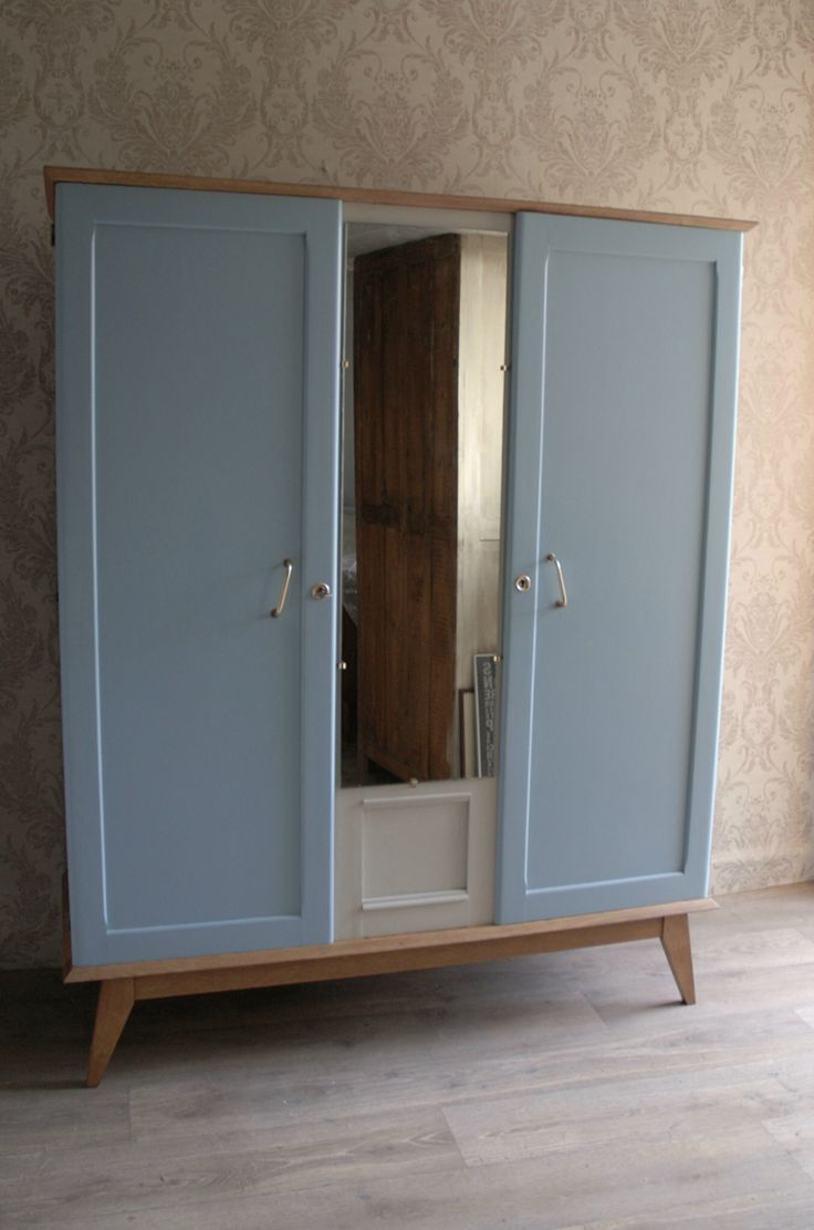 armoire ann e 70 repeinte maison la mer lolo pinterest armoires. Black Bedroom Furniture Sets. Home Design Ideas
