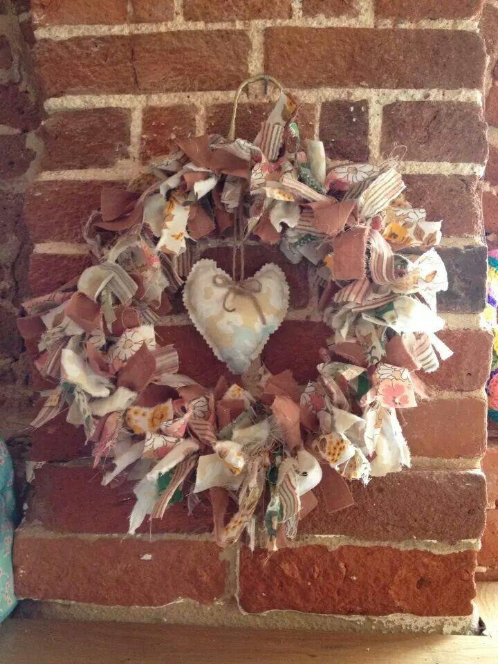 Raggy wreath