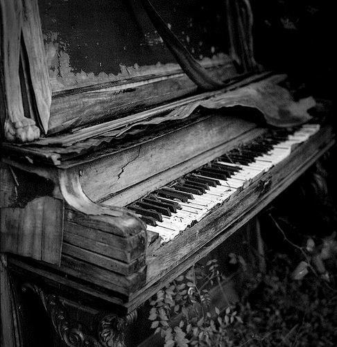 Pianorama heisst Stefan Schirmer, heisst Ihr Klavierstimmer in Zürich. Er ist der richtige Gesprächspartner wenn es um Flügel stimmen geht oder ein kaputtes Klavier haben und es reparieren lassen wollen. Neben der Klavierreparatur ist er auch noch ein sehr guter Orgelbauer. Pianorama in der Schweiz ist die Nummer eins.