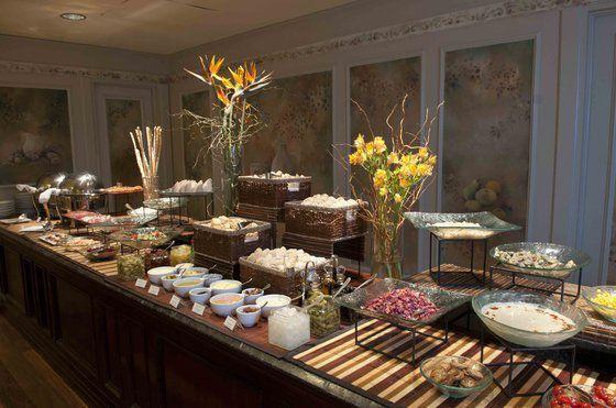 Buffet del Restaurant Mediterráneo, ideal para un almuerzo en la Ciudad de Buenos Aires http://www.icbuenosaires.com.ar/