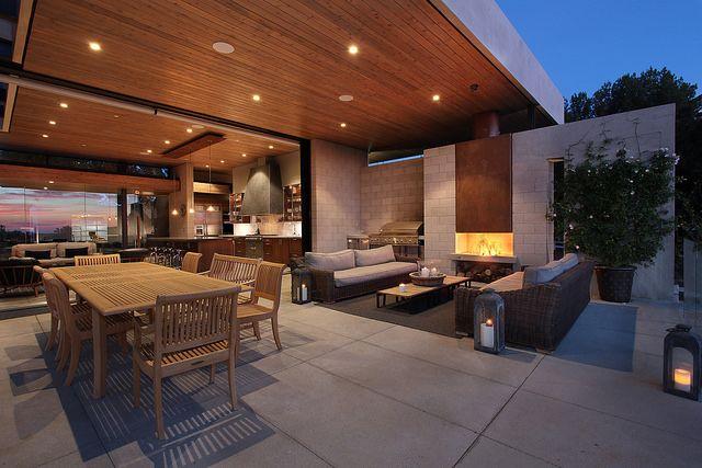 Elsinore, CA, residence by Mark Singer Architects. J. Koegel photo.