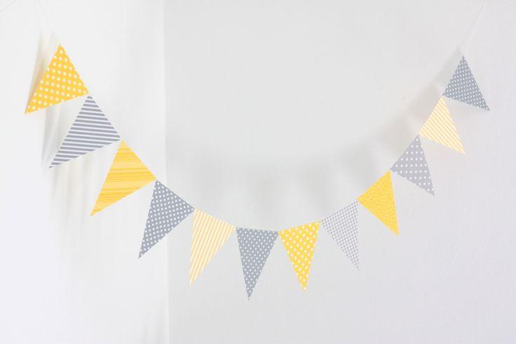 Guirlande de fanions en papier, coloris jaune et gris : Décoration pour enfants par latelierdesconfettis