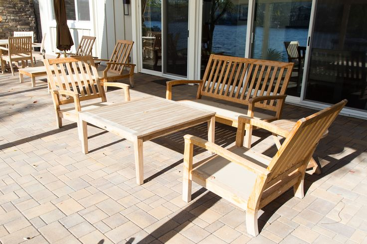 A lounging area for guests. Brick pavers cover the #patio floor. #patiodesign #patiodecor #patioideas