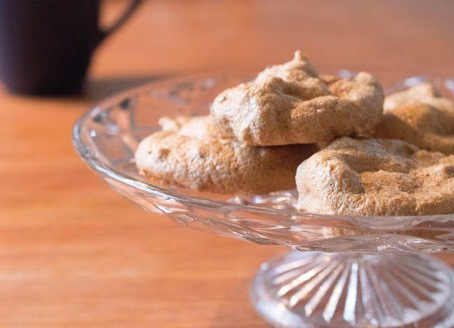 Modern matlagning från grunden: Bruna mandelmaränger - enkel fika med endast 5 ingredienser!