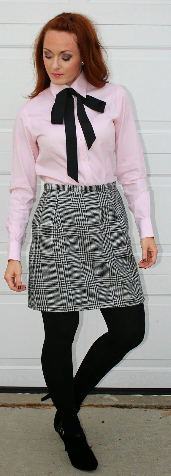 https://flic.kr/p/QBLzGE | Dressed For Work In Pink Shirt And Black Bow