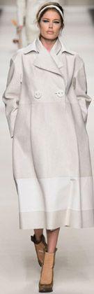 【ELLE】2015-16秋冬コレクション(パリコレ、NY、ロンドン、ミラノ) エル・オンライン
