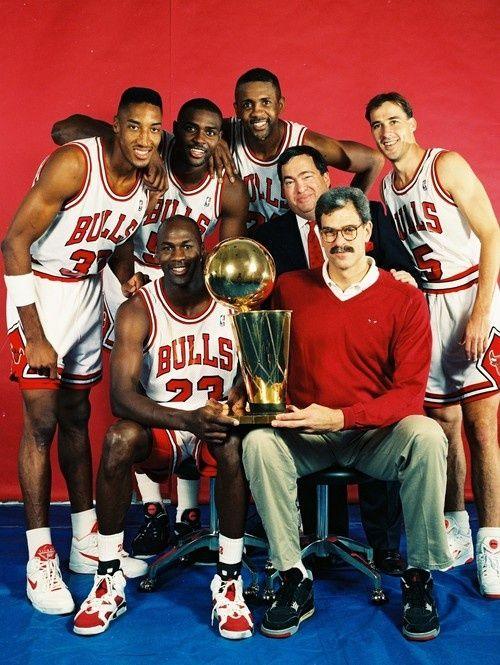 Chicago Bulls - Top Left : Scottie Pippen (#33), Horace Grant (#54), Bill Cartwright (#24), John Paxson (#5). Middle-ish : Jerry Krause. Front Left : Michael Jordan (#23) & coach Phil Jackson.