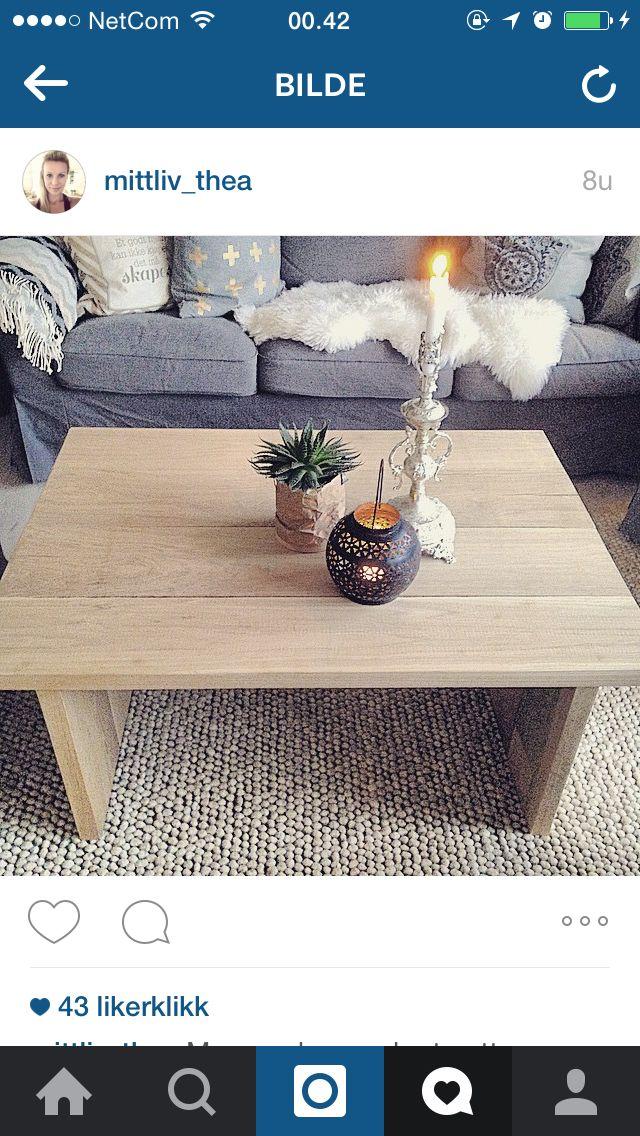 Hjemmesnekret bord