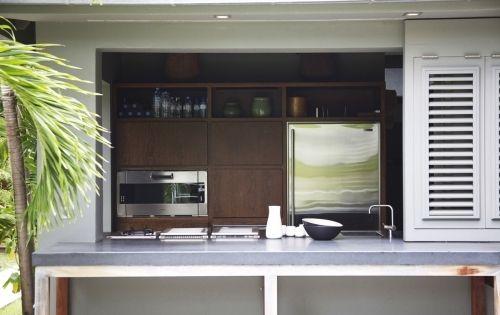 picture of the Le Manoir de Lorient kitchen