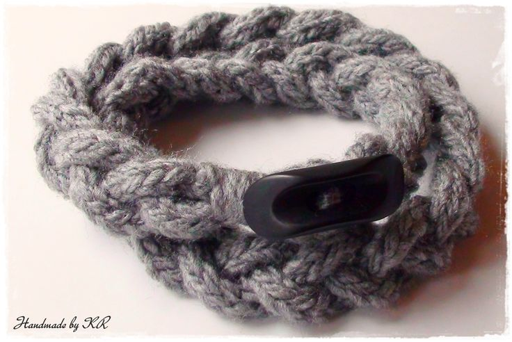Knitting cable necklace with black button...handmade by KR!!!!