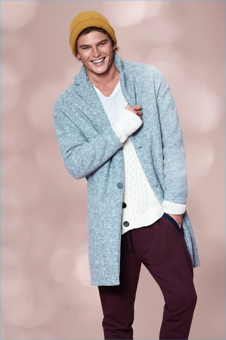 All smiles, Jordan Barrett fronts Forever 21's holiday 2016 campaign.