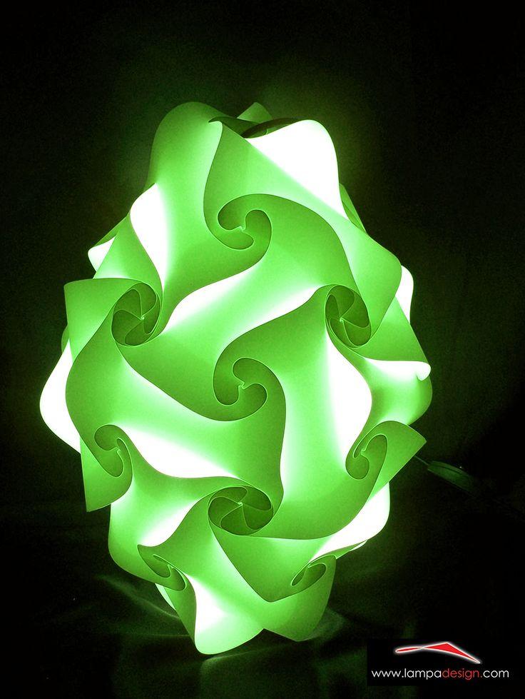 Goccia - Lampadario o Applique La trovi qui: http://www.lampadesign.com/scheda.php?id=12 E' una goccia di luce, lampada a sospensione, che scende dal soffitto  Questo lampadario moderno ha una forma semplice che sembra scivolare  Si adatta bene ad ogni tipo di ambiente e garantisce un'ottima illuminazione  Scegli i colori che più ti piacciono, e te la costruiremo come tu la desideri