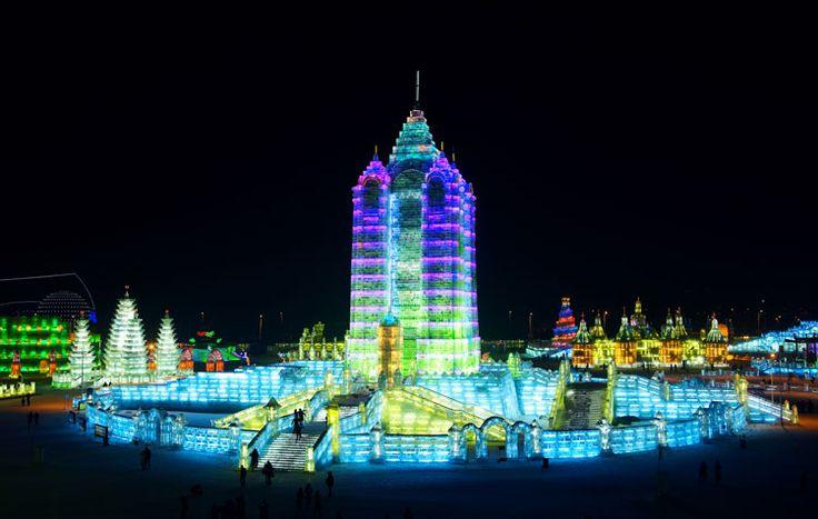 Foto delle sculture di ghiaccio all'Harbin Ice Festival n.21