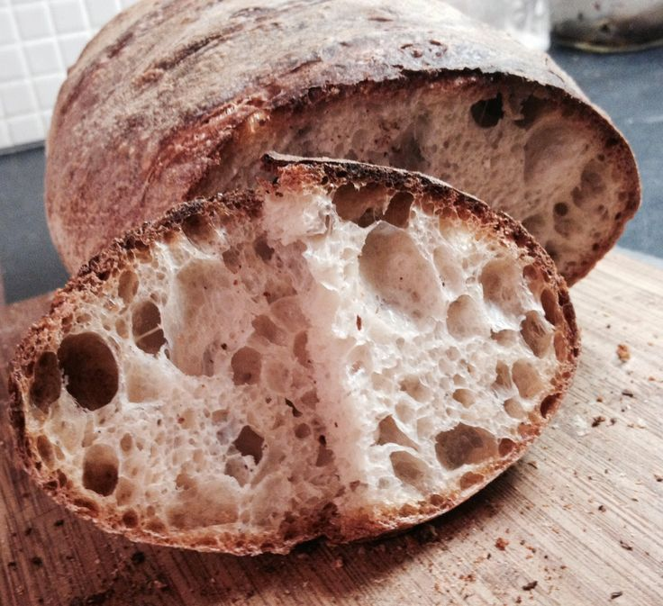 """Golosando...serenamente!: Il pane preferito """"bucoso"""""""