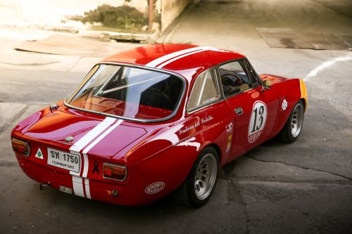 itsbrucemclaren: This Alfa Romeo GTAm Is Patroling The Streets...