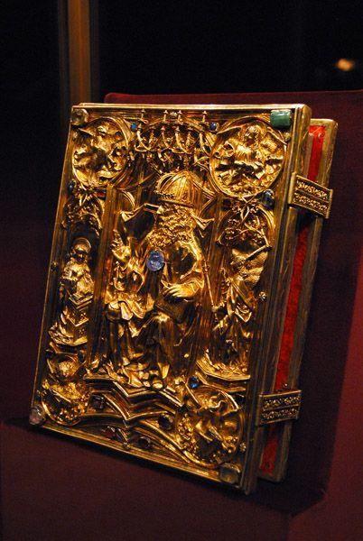 Codex (Coronation Gospel) of Charlemagne, Holy Roman Empire (ca. 800-1500; gold, precious and semi-precious gemstones). © Brian J. McMorrow.