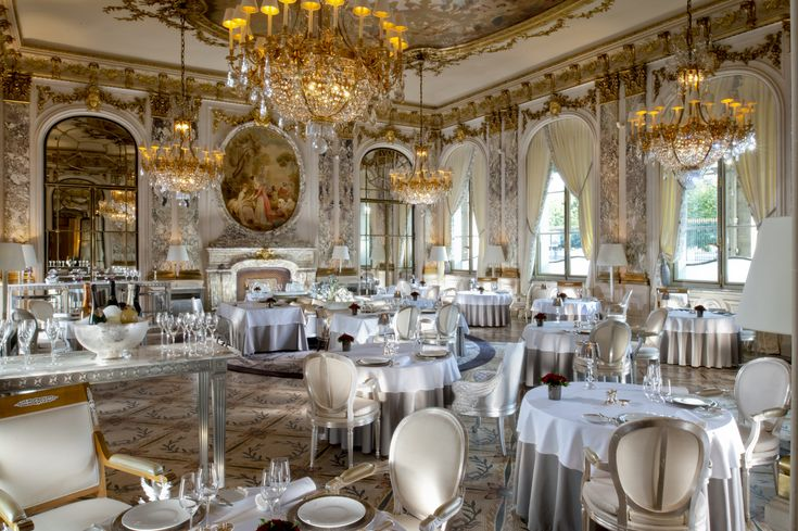 Palace for the luxury wedding