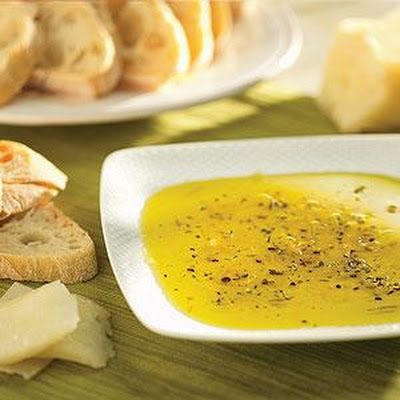Parmesan Dipping Oil @keyingredient #cheese #italian