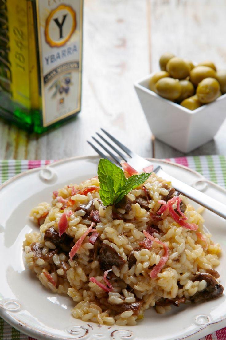 Es nuestra semana de setas, así que hoy continuamos con una de nuestras recetas favoritas, Risotto de Boletus pero con un toque especial, le vamos a añadir jamón ibérico y queso manchego para hacerlo más nuestro pero... ¡los fanáticos del parmesano, ...