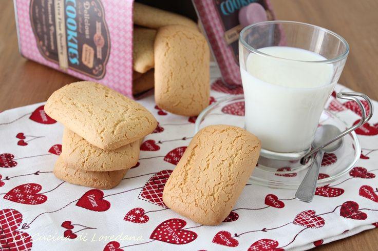 La ricetta della nonna per dei semplici e deliziosi Biscotti da latte, ideali per iniziare con una colazione meravigliosa