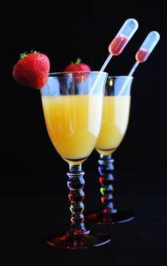 Doses pour 1 cocktail, à multiplier par le nombre de convives - 1 fraise fraîche - 4-5 cl de sirop d'orgeat - 3 cl de sirop de fraises - 10 ...