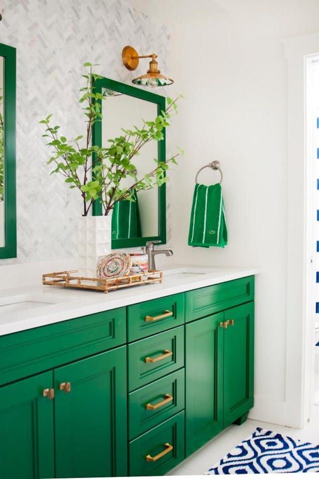 9 Ways Paint Can Modernize An Outdated Bathroom Easy Bathroom Updatesbathroom Ideasbarbie