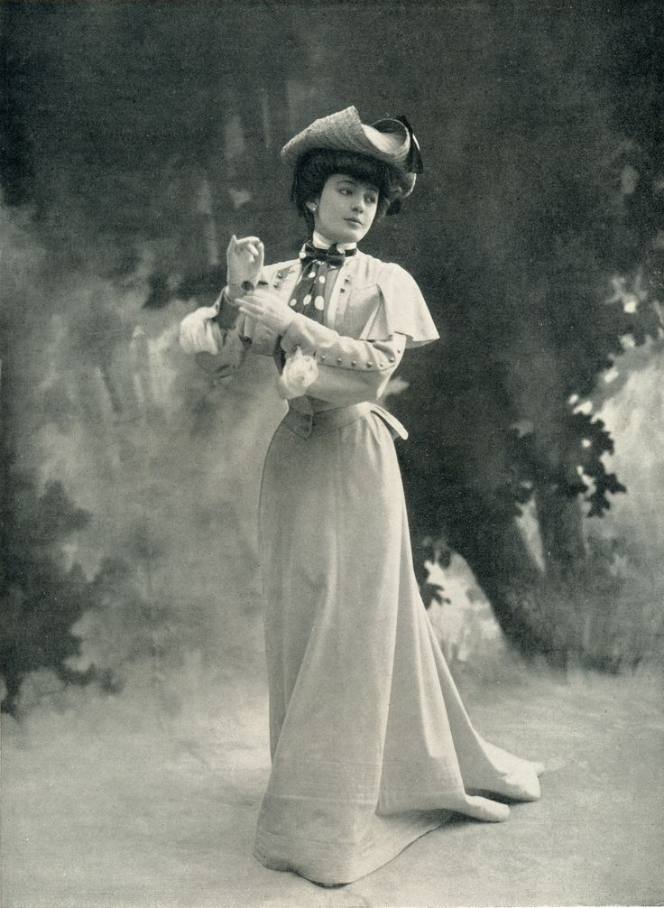 Geneviève Lantelme in Jeanne Paquin, Les Modes, 1902   from the lighthouse