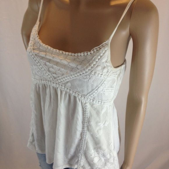 American eagle summer top white In very good pre-loved condition (location9) American Eagle Outfitters Tops Tank Tops