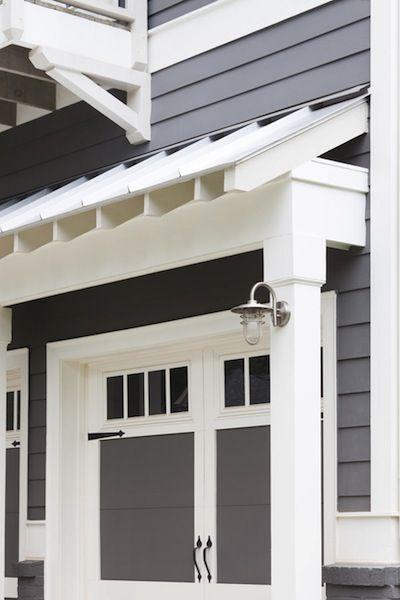 Mid Century Modern Ranch Style Garage Door. http://www.pinterest.com/avivbeber3/modern-garage-door-and-gates/
