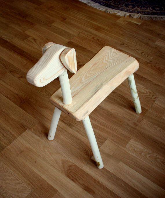 Hey, ho trovato questa fantastica inserzione di Etsy su https://www.etsy.com/it/listing/219394557/wooden-dog-bench-for-kids-small-stool