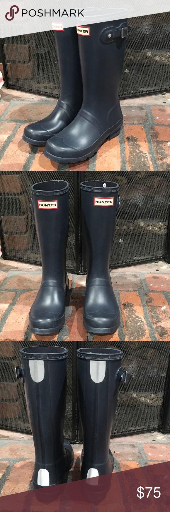 Hunter Original Kids Wellie Boots Hunter Original Kids Wellie Boots size 2 boys/ 3 girls.  Navy blue.  Excellent condition. Hunter Boots Shoes Rain & Snow Boots