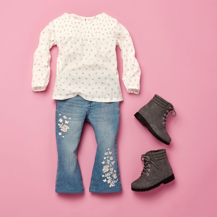 Toddler girls' fashion | Kids' clothes | Printed top | Embroidered flare jeans | Boots | The Children's Place
