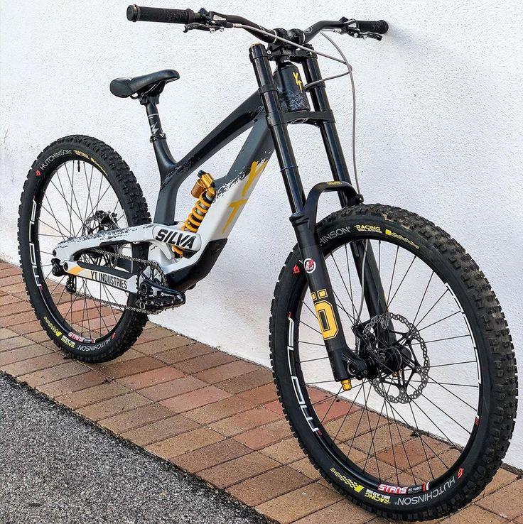 Silva's YT Tues in 2020 Downhill bike, Downhill mtb