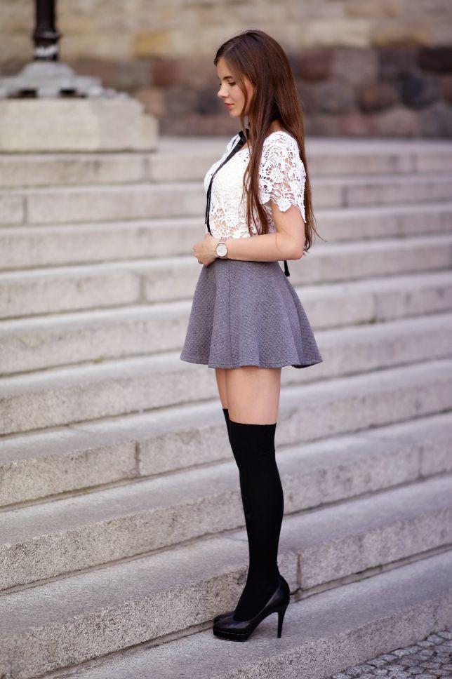 Koronkowa Biala Bluzka Szara Rozkloszowana Spodniczka Czarne Zakolanowki I Szpilki Ari Maj Personal Blog By Ariadna Maj Fashion Pantyhose Outfits Outfits