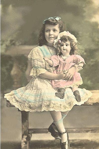 Старинная открытка девочка с куклой, любовью картинки