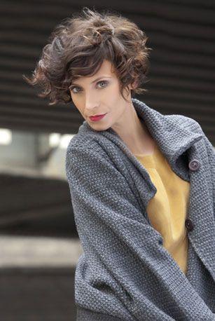 Des boucles pour un côté fou - 5 façons de coiffer des cheveux courts - Femme Actuelle