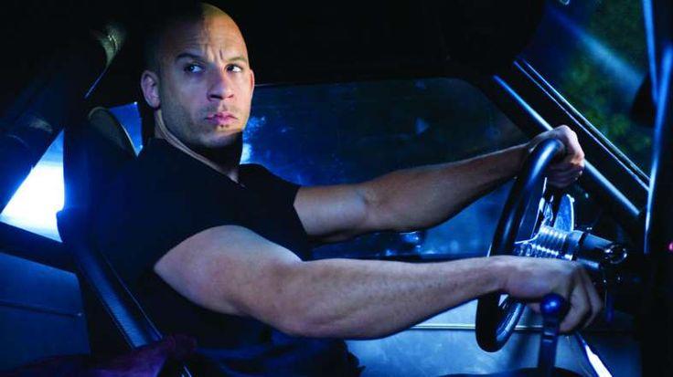Upcoming Movies of 2015 - Rex Features - RÁPIDO Y FURIOSO 7 La séptima parte de la popular saca de acción es la última en la que actuó el fallecido Paul Walker, con Jason Statham en el papel del chico malo.