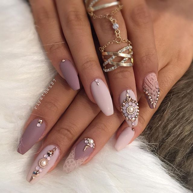Nail game so strong. - The 25+ Best Diamond Nails Ideas On Pinterest Black Nails