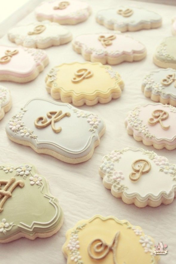How to Make Lettered Cookies | Sweetopia