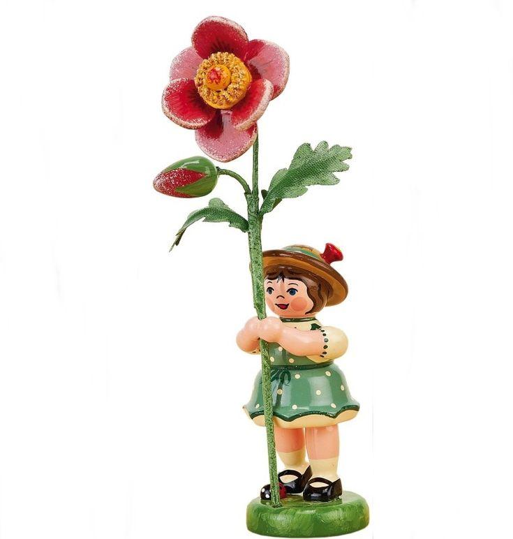 Blumenkind - Blumenmädchen mit Heckenrose