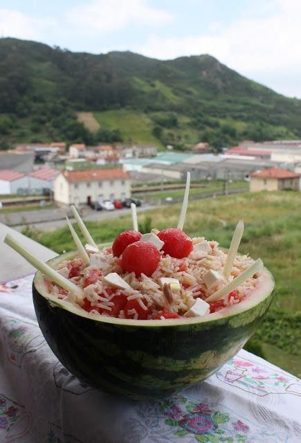 mis recetas dulces y saladas: ensalada de arroz en una sandía